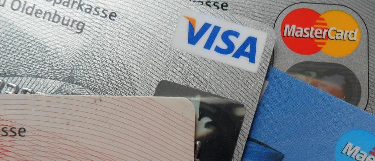 Carte Bancaire Pour Voyager.Bien Choisir Sa Carte Bancaire Pour Voyager Le Blog Du